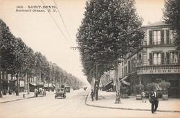 93 Saint Denis Boulevard Ornano Cpa Carte Animée Vieille Voiture Auto Bar Tabac - Saint Denis