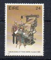 IRLANDE - EIRE - IRELAND - 1986 - CENTENAIRE DU CONSEIL DES SYNDICATS - 100th ANNIVERSARY OF THE TRADE UNION COUNCILS - - 1949-... Republic Of Ireland