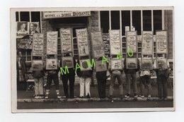 80 - ONIVAL - CARTE PHOTO - LEMESLE - 9 HOMMES SANDWICH ET LEURS PUBLICITES - Onival