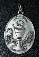 """Pendentif Médaille Religieuse """"Médaille De Communion"""" Religious Medal - Religion & Esotericism"""