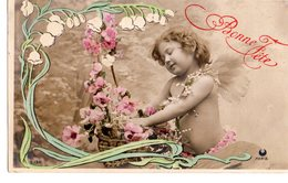 CPA  -  Fillette Avec Fleurs  -  Bonne Fête  -  écrite - Christmas