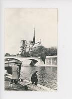 Paris Notre Dame Et La Seine - Péniche Albert Balland Pêcheur à La Ligne (cp N°405 Lina) - The River Seine And Its Banks