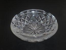 Vintage ! Heavy Crystal Clear Glass Diamond Star Cutting Cigarette Ashtray (#3) - Altri