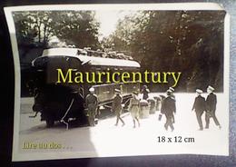 Photo , 1940 , Compiègne , Rethondes ,  Ww2 , Hitler , Capitulation , Armistice  ,  39-45 , Campagne De France , Wagon . - Lieux