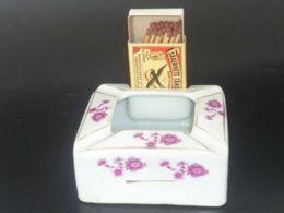 VINTAGE ! 50s' Hand Painted China Porcelain Ashtray With Match Box Holder - Porzellan
