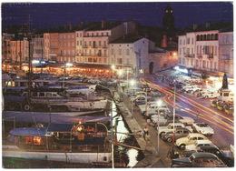 Saint Tropez: RENAULT FLORIDE, OLDSMOBILE F85, VW 1200 KÄFER/COX, CITROËN DS, 2CV, PEUGEOT 404, 403 FAMILIALE - Turismo