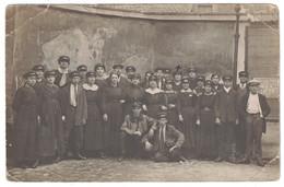 GRANGE AUX BELLES (PARIS 10e) - CARTE PHOTO Avec GROUPE DE PERSONNES PANCARTE ELECTIONS 7 JUIN - Arrondissement: 10