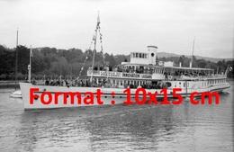Reproduction D'une Photographie Ancienne D'un Bateau Course Du Personnel Innovation En Lausanne Suisse En 1944 - Reproducciones