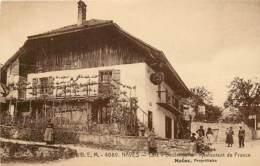 74 , NAVES , Café Restaurant Boulangerie , Moëne Propriétaire , * 439 50 - Autres Communes