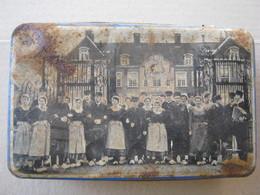 Antique Tin Box, Nederland / LOCHEM - FOLKLORISTISCHE DANSGROEP, KASTEEL, OUDE VESTINGWAL ... - Dozen