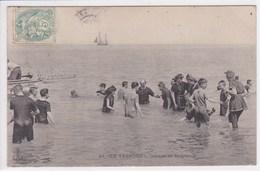 76 LE TREPORT Groupe De Baigneurs   , Maillots De Bain Année 1910 - Le Treport