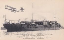 Marine Française La Foudre Avec Son Hangar Pour Abriter L'hydroplane Canard Vosin Avion Aviation - Guerre