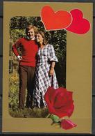 CPM    -     Photo D' Un Couple  -  Roses  -  Coeurs. - Couples