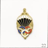"""Pin's Armée - Parachutiste / Insigne Parachutiste """"Honneur Et Patrie"""". Estampillé Boussemart. Zamac. T707-22 - Militares"""