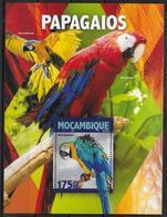 MOZAMBIQUE BF 1065 * *  ( Cote 16e )  Oiseaux Perroquets - Papegaaien, Parkieten