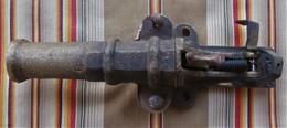 Piege De Porte Canon En Bronze  DEPOSE - Decotatieve Wapens