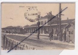 Revigny  (55) Intérieur De La Gare Avec Activité Cheminots Et Passagers - Revigny Sur Ornain