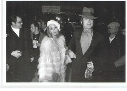 Photo De Raymond Depardon Faye Dunaway Et Warren Beatty à La Première De Bonnie And Clyde A Penn - Personalità