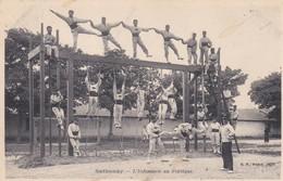 Sathonay L'infanterie Au Portique - Barracks