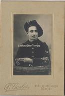 Photo Cartonnée-chasseur Alpin Du 6e R-photo Carles à Nice Format 9,5 X 14cm - Guerre, Militaire