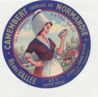 X 322 / ETIQUETTE FROMAGE  CAMEMBERT  MA NORMANDE  VALLEE CLECY      (CALVADOS) - Fromage