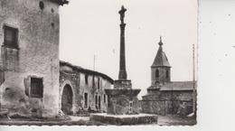 69 MONTROTTIER  -  La Croix Et L'Eglise  - - Frankrijk