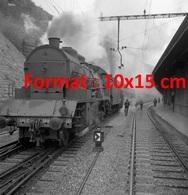 Reproduction D'une Photographie Ancienne D'un Locomotive à Vapeur Engare De Lausanne En 1945 - Reproductions