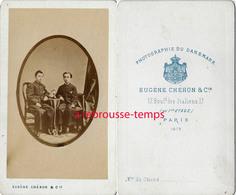 Belle CDV En 1873-deux Jeunes Garçons élégants-photo Eugène Chéron Bld Des Italiens-Paris - Fotos