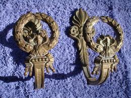 Paire D'Anciennes Pateres En Bronze Pour Rideaux, Estampille Au Dos LB3, Fin 19ème Siecle (20-388) - Bronzes