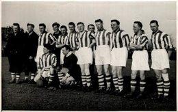 1934 GRONINGEN KAMPIOENS ELFTAL   17*11cm FOOTBALL VOETBAL FOOTBALL SOCCER HOLLAND NEDERLAND - Sports