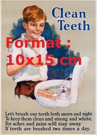 Reproduction D'une Photographie Ancienne D'une Affiche Publicitaire Pour Le Dentifrice Colgate's Clean Teeth - Reproductions
