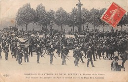 PARIS - Funérailles Nationales De M. BERTEAUX, Ministre De La Guerre, Sous L'escorte Des Pompiers De Paris - France