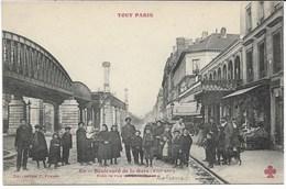 CPA PARIS XIIIème Arrondt  Boulevard De La Gare Près De La Rue Du Commerce Série  TOUT PARIS  N°512 Métro - Arrondissement: 13