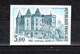FRANCE  N° 2195  NON DENTELE NEUF SANS CHARNIERE  COTE 20.00€   CHATEAUX - Francia