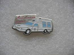 Pin's Ambulances De La Hardt à Mulhouse. Citroen CX - Medici