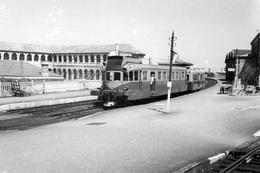 Autorail En Gare De Tarascon. Cliché Jacques Bazin. 07-05-1954 - Trains