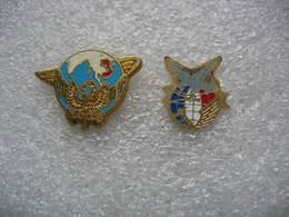 2 Pin's Militaire à Identifier - Militari