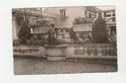 """CPSM:TOURS SUR MARNE (51) LE MANNKEN PIS COUR D'HONNEUR CHAMPAGNE Vve LAURENT PERRIER & Cie """"NE BUVEZ JAMAIS D'EAU"""" - Other Municipalities"""