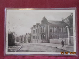 CPSM - Hirson - Hospice Des Vieillards Et Rue De La Capelle - Hirson