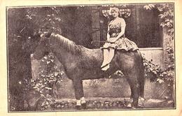 CIRQUE / ZIRKUS / CIRCUS : MARIETTE KRATEJL Of KRATEJL CIRCUS / ROMANIA : EQUESTRIAN ACROBATICS ~ 1910 - '915 (ae021) - Cirque