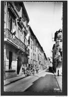 LA ROQUEBRUSSANNE - N°4- Rue De L'hotel De Ville -groupe De Cyclistes-années-- 50-édition Combier - La Roquebrussanne