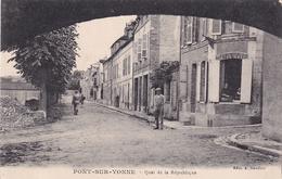 Pont Sur Yonne Quai De La République - Pont Sur Yonne