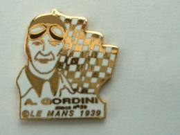 Pin's LE MANS 1939 - A.GORDINI - SIMCA N°39 - Non Signé - Pins