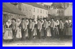 Plougastel * Défilé Des Mariés    ( Scan Recto Et Verso) - Plougastel-Daoulas