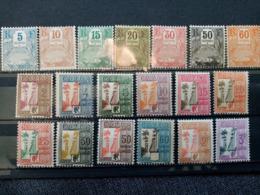 GUADELOUPE.1904.N°15 à 21et 25 à 37. Baie De Gustavia / Allée Dumanoir. Neufs. - Impuestos