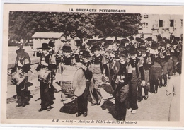 CPA - 29 -  LA BRETAGNE PITTORESQUE  - Musique De PONT-de-BUIS (Finistère) - (Fanfare) - Otros Municipios