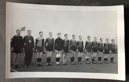 Football-Team With Coach? Foto K. V. Vuuren/Schiedam - Schiedam