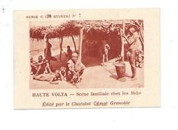 Chromo AOF Haute Volta Famille Chez Les Bobo TB 75 X 50 Mm Pub: Chocolat Cémoi Au Dos Colonies Françaises - Chocolate