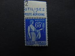 Lot De 2 N°. 247** Type Paix à 65 Centimes Bleus Avec Bandes Pub Poste Aérienne Supérieure Et Inférieure - Werbung