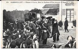 Cpa Rambouillet - Chasses à Courre , Mme La Duchesse D'Uzès  écoutant Le Rapport . - Rambouillet